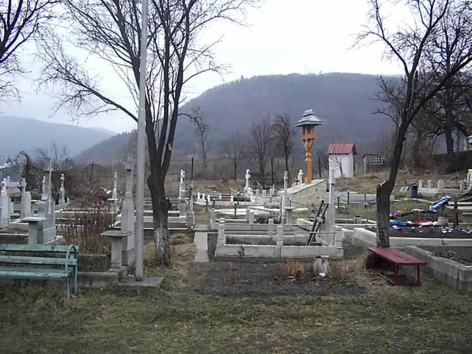 Sub aceste morminte se afla osemintele lui ValeriuGafencu